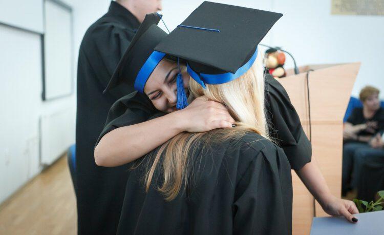 graduation, graduation day, college graduation-2038864.jpg