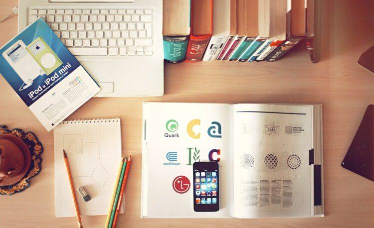 notebook, workplace, desk-336634.jpg