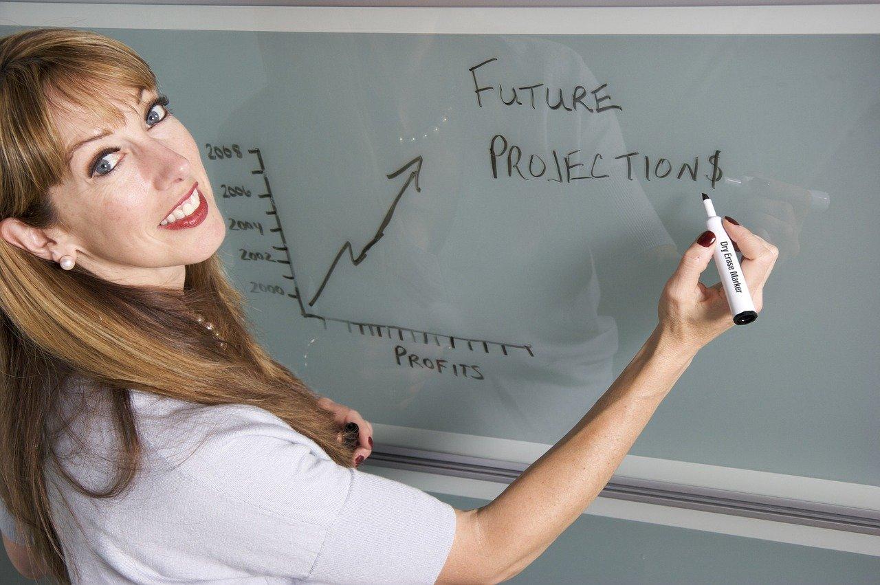 smiling, teacher, female-1280975.jpg